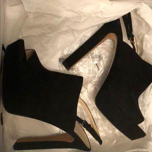 Brand New Nine West Platform Shoes!!